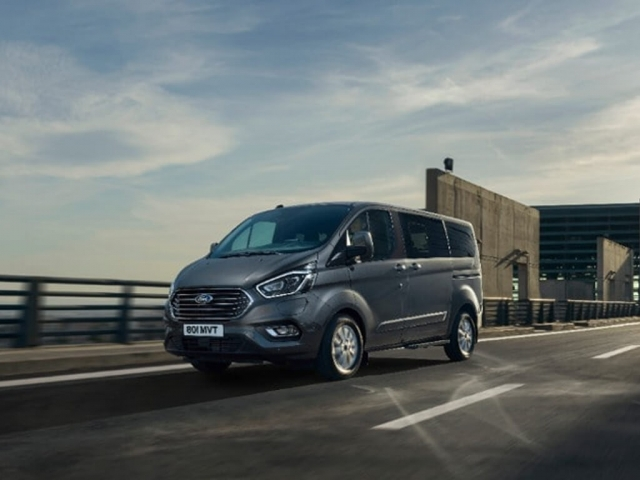 FORD TOURNEO CUSTOM L1 DIESEL FWD 2.0 EcoBlue 105ps Low Roof 8 Seater Zetec