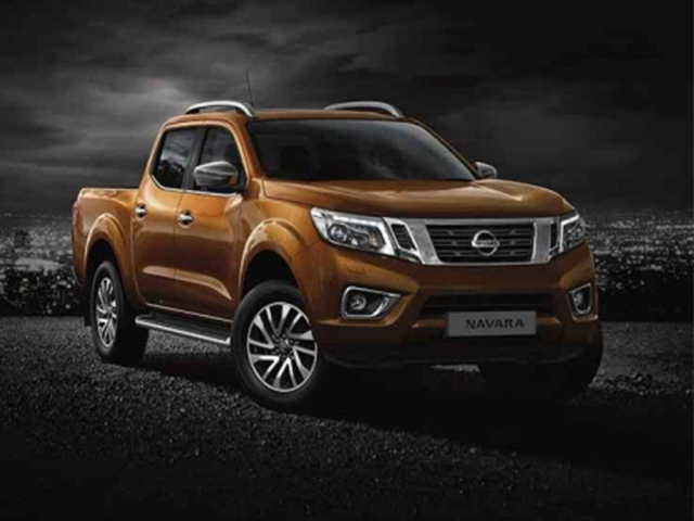 NISSAN NAVARA Double Cab Pick Up Tekna 2.3dCi 190 TT 4WD