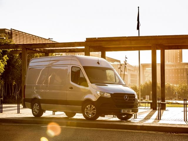 MERCEDES-BENZ SPRINTER 315CDI L3 DIESEL RWD 3.5t H2 Progressive Van