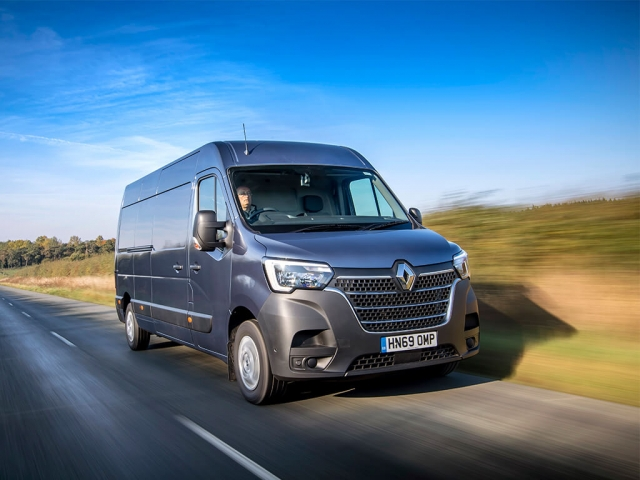 RENAULT MASTER ELECTRIC ZE MWB ELECTRIC ML31 57KW Business Low Roof Platform Cab Auto