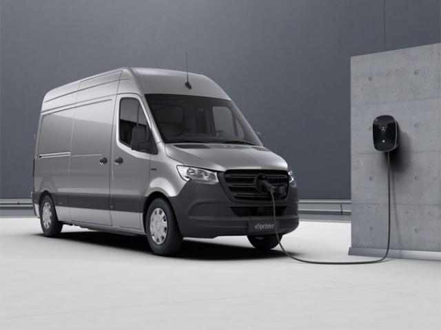 MERCEDES-BENZ eSPRINTER L2 ELECTRIC FWD 85kW 55kWh Progressive Van Auto