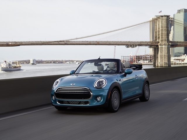 MINI CONVERTIBLE 1.5 Cooper 2dr [Pepper Pack]
