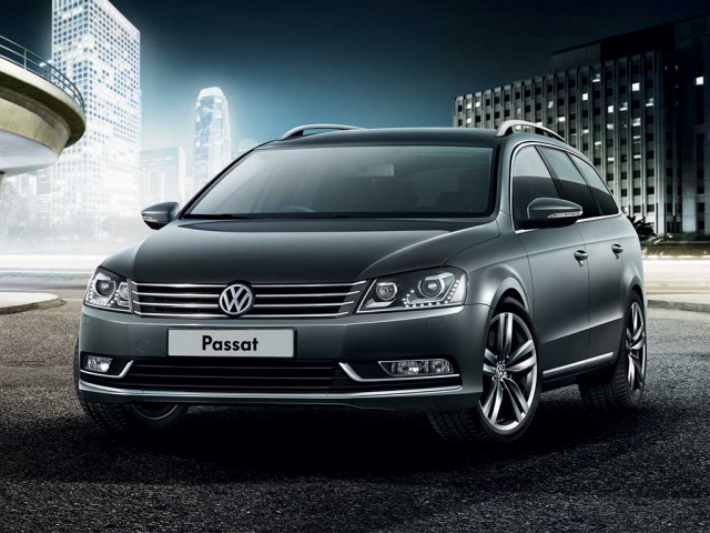 VOLKSWAGEN PASSAT ESTATE 2.0 TDI SE Business 5dr